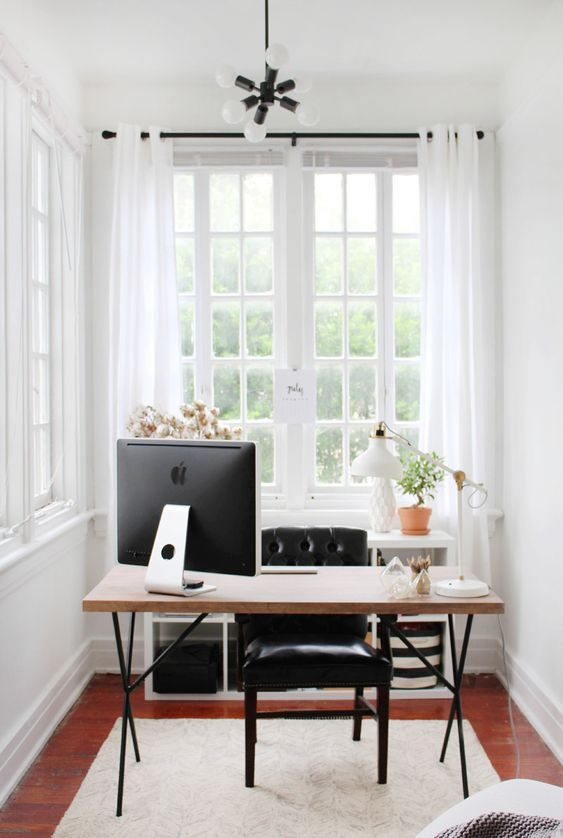 5 Feng Shui Tips To Increase Success and Positivity In Your Home - The Power Position For Your Office Space