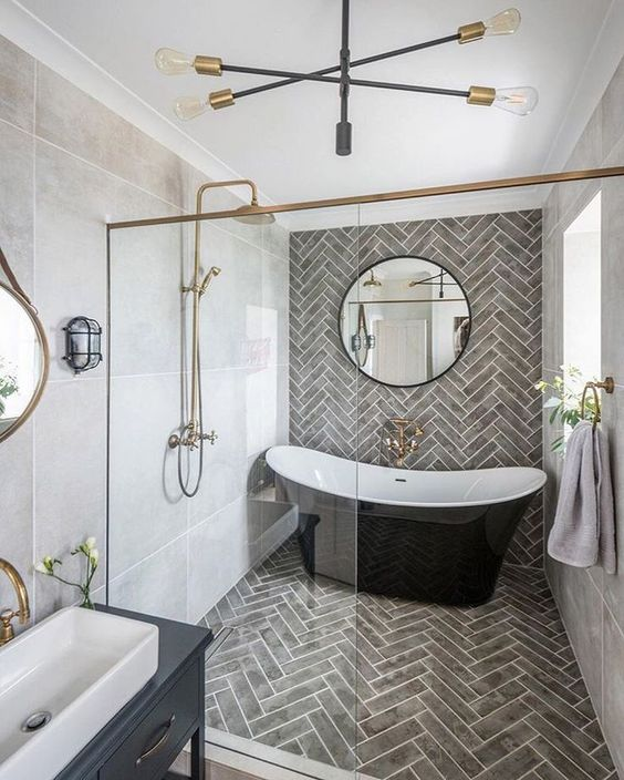 November Pinterest: Top 15 - Shower and bath enclosed wet room