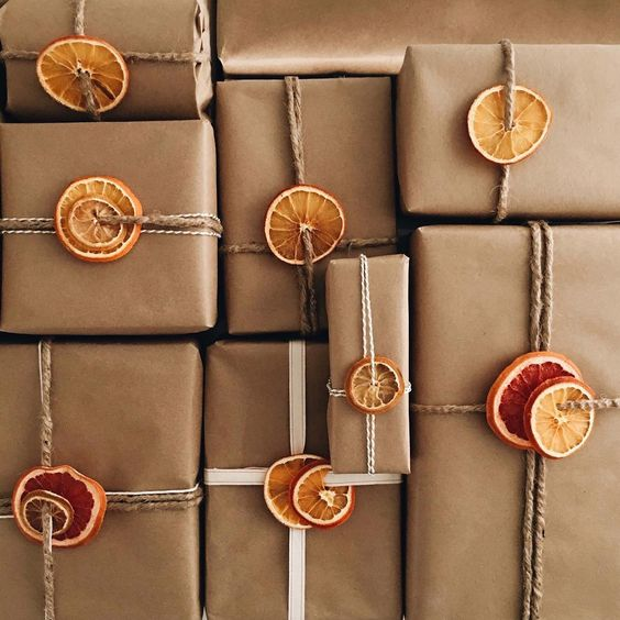 20 Creative Ways To Gift Wrap Your Presents This Christmas - Dried Oranges