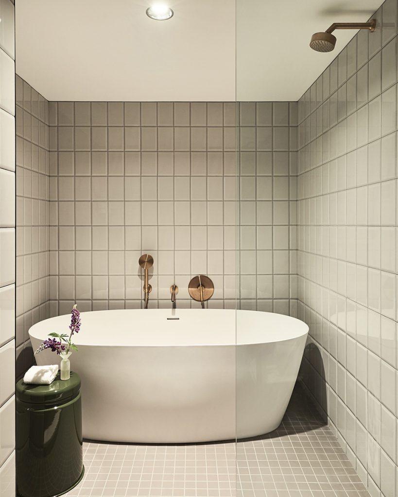 Kimpton St. George Toronto wet room ensuite bathroom