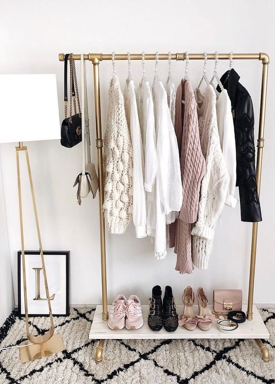 Closet Clean Out: How To Organise Your Closet - Capsule Hanging Rack