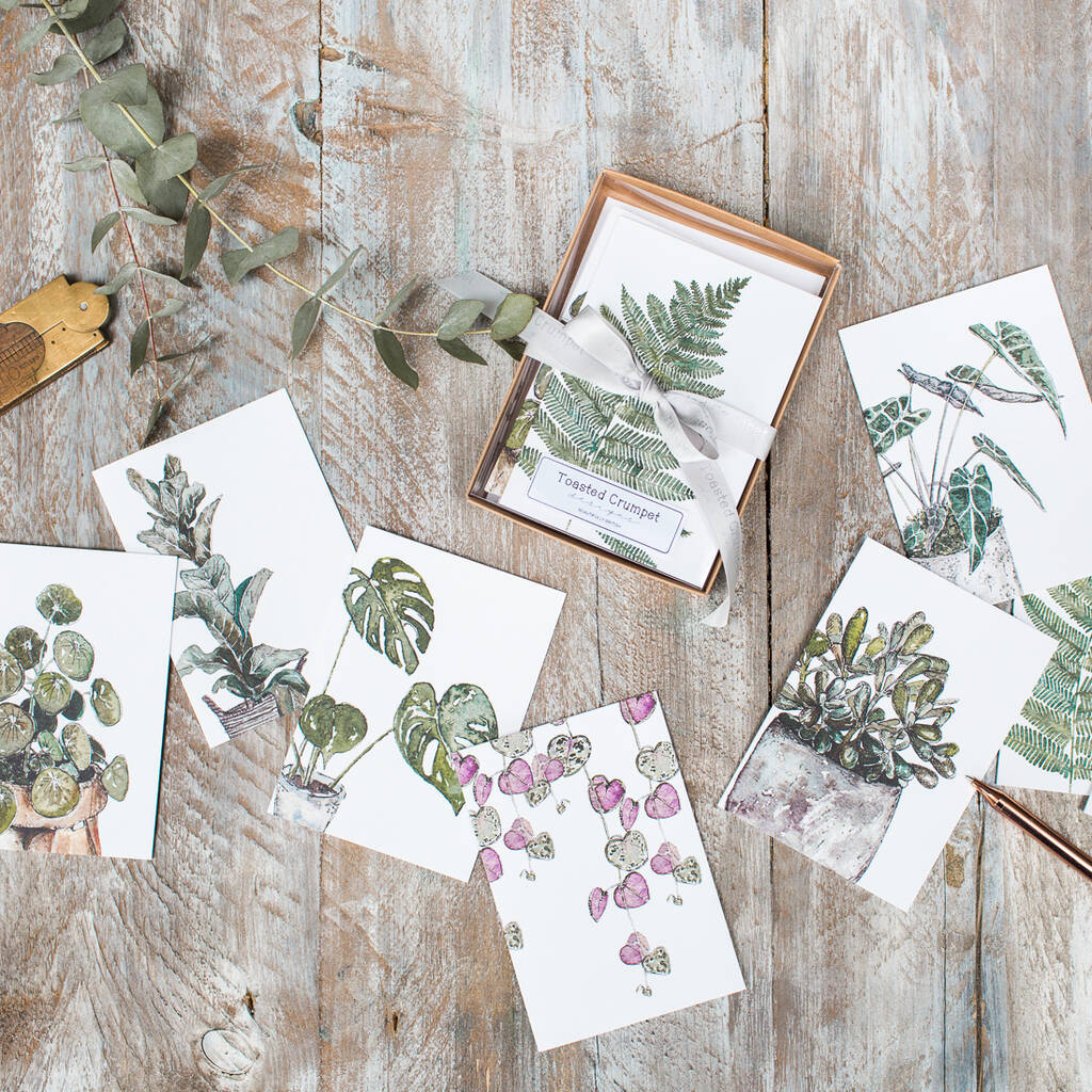 Botanical Print Note Cards - 7 Ways To Get Affordable Artwork For Your Home: Finding a set of beautiful note cards like these botanical printed cards as framed artwork. Hang on your wall as a framed series of art decor for your home. @chloedominik #affordableartwork #notecards #notecarddesign #notecardartwork #walldecor