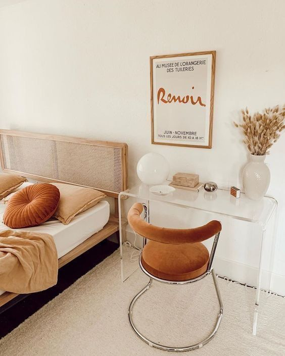 Terracotta & Cream Bedroom - September Pinterest 2020: Top 15 Inspiration & Ideas: A gorgeous minimal Fall inspired terracotta and cream coloured bedroom and work space creates a relaxing space to come and rest or to focus on work for the day. @chloedominik #fallinspiredbedroom #fallinspiredbedroomdecor #teracottaandcream #terracottaandcreambedroom #bedroomworkspace #bedroomworkspaceideas #minimalistbedroomworkspace