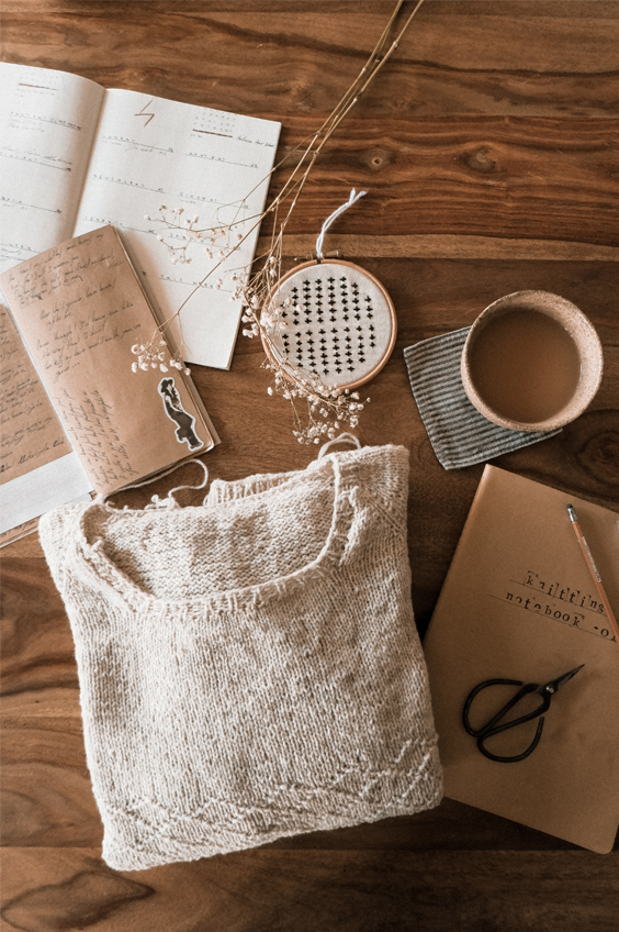 12 Amazing Cottagecore Crafts To Spark Your Creativity Next Year: With all that unexpected spare time on our hands, we've turned literally to our hands and have gotten back in create mode. And with interior lifestyle trends like cottagecore on the rise, crafting has been a popular way to curb the boredom here are 12 crafts to try next year should you find yourself needing to pass the time! #crafts #craftsforadults #craftstodoathome #creativecrafts #creativecraftideas #cottagecorecrafts #craftstodoathome
